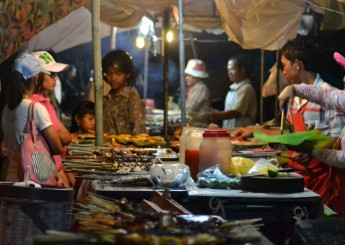 Road 60 Cambodia local Night market 6