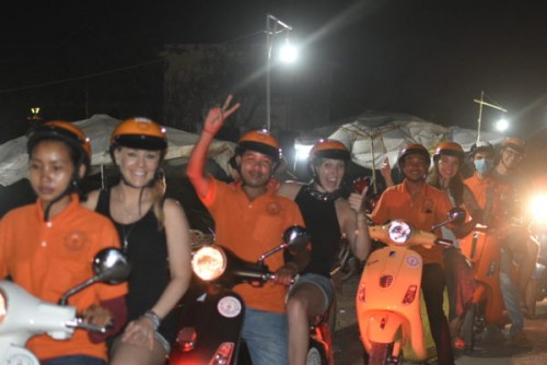 AFTER DARK FOODIE TOUR (Run with Vespa motor)75$/ per person